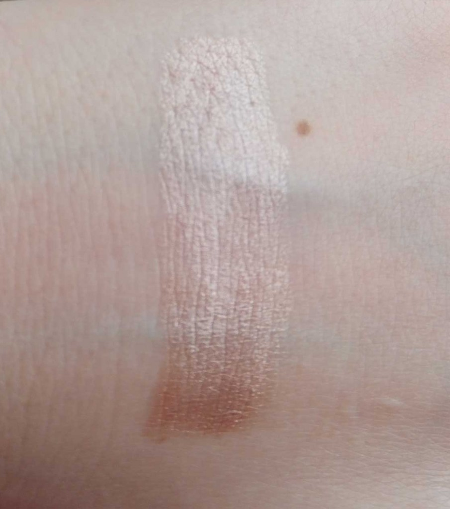Urban Decay Sin pencil swatch